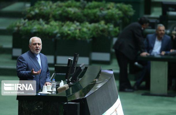 حضور وزیر امور خارجه در مجلس برای پاسخ به سئوال سه نماینده مجلس