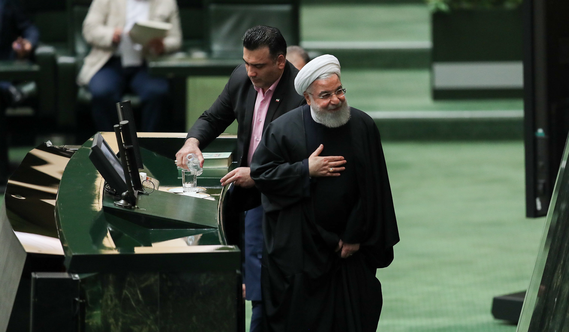 آیا حسن روحانی کلید پاستور را به یک نخست وزیر تحویل خواهد داد؟
