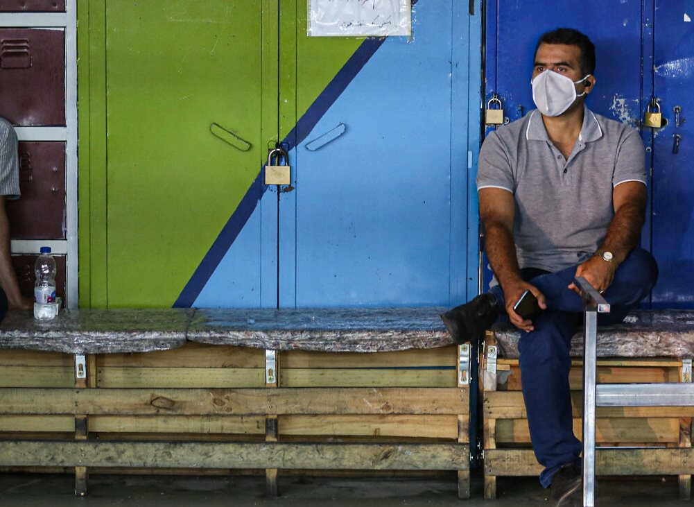 کرونا یک میلیون و ۳۰۰ هزار نفر را در کشور بیکار کرد / تامین اجتماعی هم فقط سه ماه بیمه بیکاری به آنها پرداخت کرده
